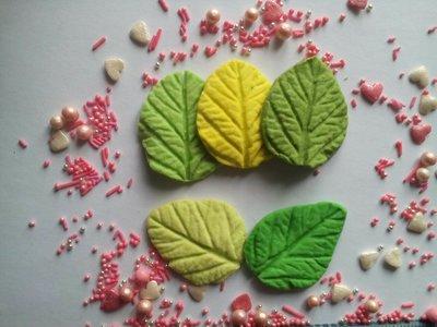 Сахарные листики двухсторонние, большие, для украшения кондитерских изделий, Цена за 2 шт.- 1 грн.
