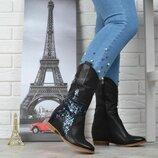 Сапоги женские Казаки высокие со звездой глиттер на каблуке