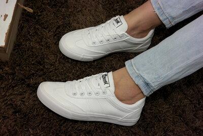 Женские белые кеды кроссовки стильные аккуратные и ноские