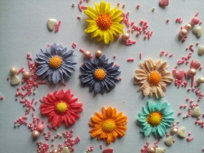 Сахарные цветы волошка для украшения кондитерских изделий, размер на фото. Цвета разные Цена 1 шт.-