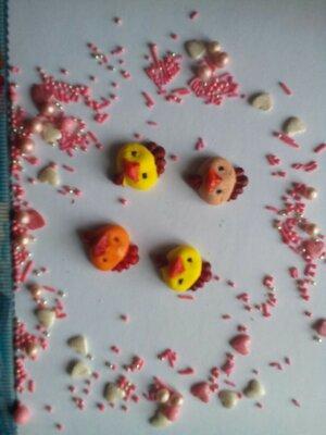 Сахарные петушки для украшения кондитерских изделий, размер на фото. Цвета разные Цена за 3 шт.- 1 г