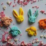 Сахарные кролики,барашки для украшения кондитерских изделий,размер на фото.Цвета разные.Цена за 2шт.