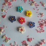 Сахарные цветы для украшения кондитерских изделий, размер на фото. Цвета разные Цена за набор 3 шт.