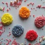 Сахарные розочки большие для украшения кондитерских изделий, размер на фото. Цвета разные Цена за 1