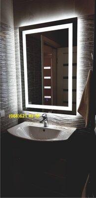 Влагостойкое зеркало с LED подсветкой в ванную комнату 800х600мм
