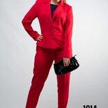 Костюм брючный для женщин пиджак брюки от бренда Adele Leroy.