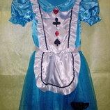 Платья героев из сказки Алиса в стране чудес .