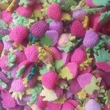 Сахарные клубнички для украшения кондитерских изделий. размер на фото. Цена за 3 шт.- 1 грн. Цвета
