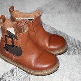 Стильные кожаные демисезонные ботиночки Next размер 5 на 22