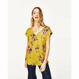 Вискозная яркая футболка блуза топ цветочный принт от zara