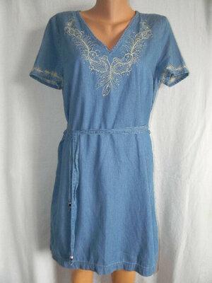 Легкое джинсовое платье с вышивкой 14p