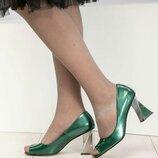Туфли Exclusive, натуральная лаковая кожа, с фигурным каблуком, зеленые. Бренд Mario Muzi