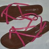 Босоніжки сандалі Internacionale розмір 40 7