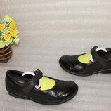 Туфли на девочку натуральная кожа CLARKS р 28,5 / 10,5