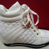 Демисезонные ботинки сникерсы на девочку 35 р