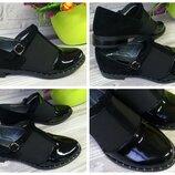 Женские туфли на низком ходу, цвет черный Натуральная кожа, замш, лак Материал и цвет на выбор