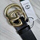 Кожаный чорный ремень в стиле Gucci, Гуччи с бляхой золотого цвета