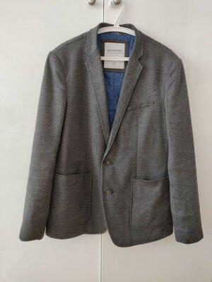 Молодежный трикотажный пиджак на подкладе р. L