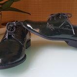 Классические женские туфли, лаковая кожа, цвет