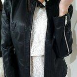 Крутая женская куртка под кожу