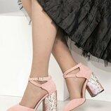 Туфли, натуральная замша и кожа, с перекрестными ремешками, пудра