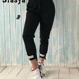Модные спортивные штаны женские