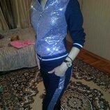 Крутой спортивный костюм, девочка на 4года,серебро,пойетки,ВенгрияF&D
