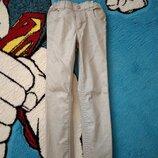 Модные джинсы чиносы 7 лет в отличном состоянии