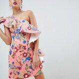 платье с рюшей на одно плечо и в цветочный принт asos
