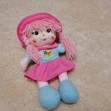 Музыкальная мягенькая куколка 33 см