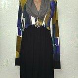 Красивенное мягусенькое платье Ysatis с голограммой