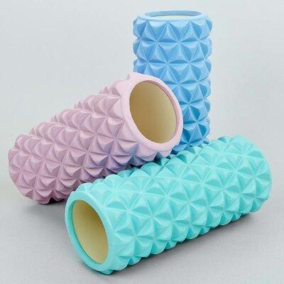 Роллер массажный для йоги и пилатеса Triangle 8375 длина 33см 3 цвета