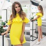 Короткое платье-сарафан Жёлтое из льна с оборочкой