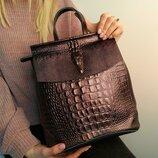 Кожаный рюкзак-сумка с текстурой аллигатора