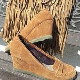 Туфлі на танкетці, нідерландської торгової марки Mexx, 100 % натуральна замша