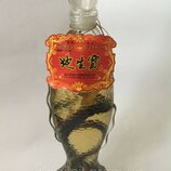 Китайская настойка со змеёй и корнем женьшеня Фенгун.