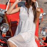 Ажурное платье-мини.