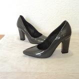 Элегантные кожаные туфли от Andre , р 38
