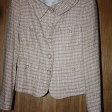 Модный женский пиджак р-38/40 в отличном состоянии