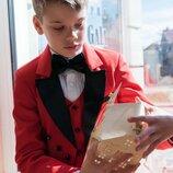 Нарядный костюм с фраком красный для мальчика
