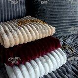 Декоративная велюровая подушка с наволочкой шарпей в полоску