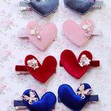 Заколки для девочек с велюровыми сердцами