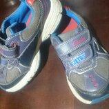 Детские кроссовки светящиеся Clarks