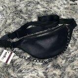 Женская кожаная сумка на пояс/Бананка с цепочкой черного цвета