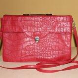 Красная сумка под крокодила
