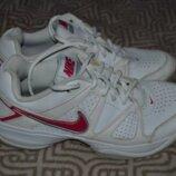 Кроссовки Nike оригинал 25 см размер 38 размер кожа