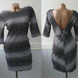 Платье фактурное с глубоким вырезом на спине. Tfnc London