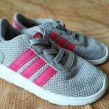 Кроссовки фирменные на резинке Adidas р.24-14см.