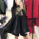 Красивое платье гипюр черное