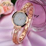 Модные стильные оригинальные женские часы Lvpai